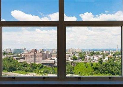 Sky City Apartments at Soho West
