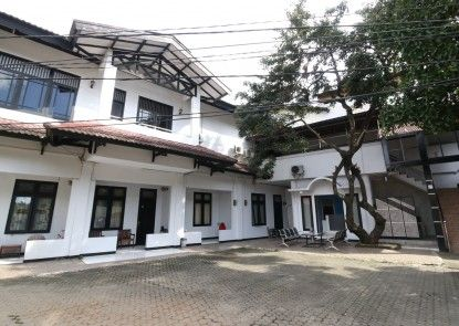 Sky Inn Pasar Minggu 1 Jakarta Eksterior