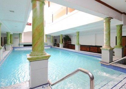 Sky Inn Permata Hijau 1 Jakarta Kolam Renang