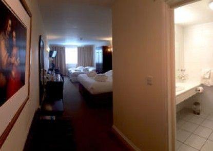 Skylark Hotel