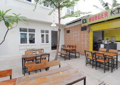 Sky Residence Syariah Petukangan 1 Jakarta Kafe