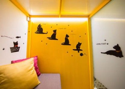 SleepBox Hotel-Ximen