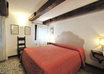 Sleep in Italy - San Polo Apartments