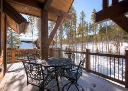 Slopeside Manor On Peak 8 By Pinnacle Lodging