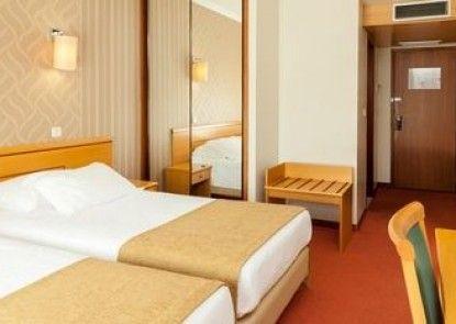 Sol Povoa & Varzinn Hotel