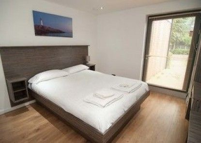 Southampton Serviced Apartment
