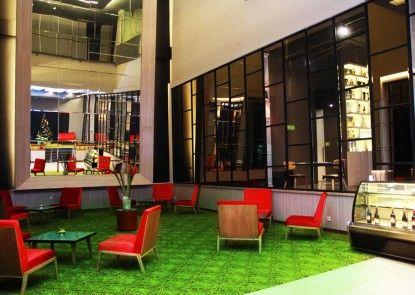 Sparks Life Jakarta Lounge