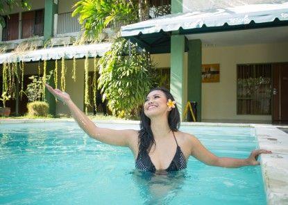 Spazzio Bali Hotel Kolam Renang