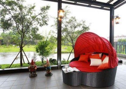 Spring Four Season Resort