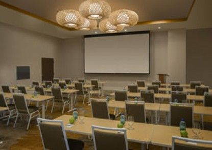 SpringHill Suites by Marriott San Diego Oceanside/Downtown