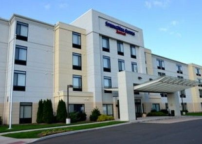Springhill Suites Marriott Airport