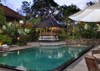 Sri Ratih Cottage Kolam Renang