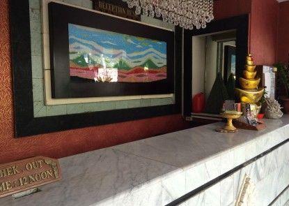 Sri Ratu Hotel