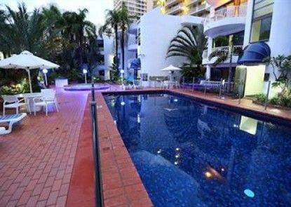 St. Tropez Resort Teras