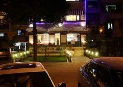 Stallen Suites & Apartments Nehru Place