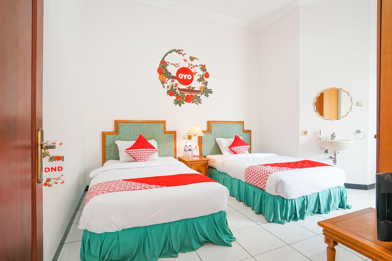 OYO 377 Istana Permata Juanda, Surabaya