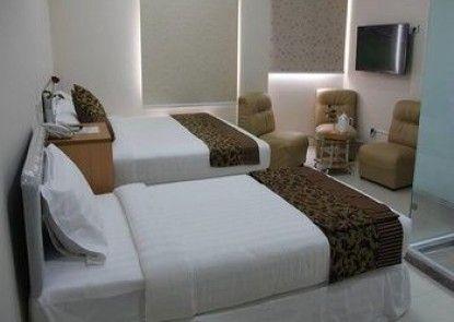 Star Max Hotel