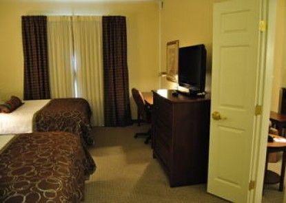 Staybridge Suites Lansing - Okemos