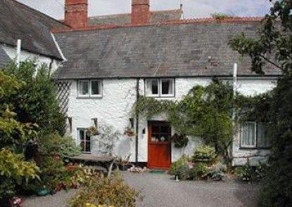 Steps Farmhouse - Guest house