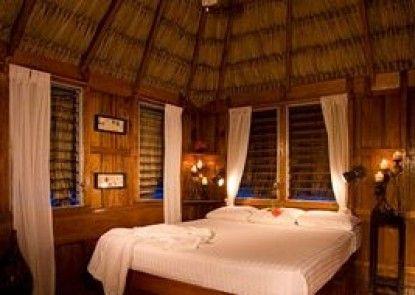 St. George\'s Caye Resort