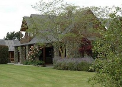 Stonehaven Vineyard Homestay