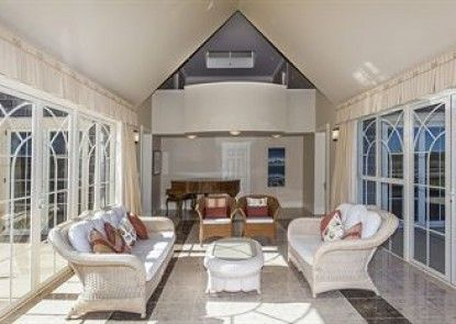 Stoneleigh Lodge