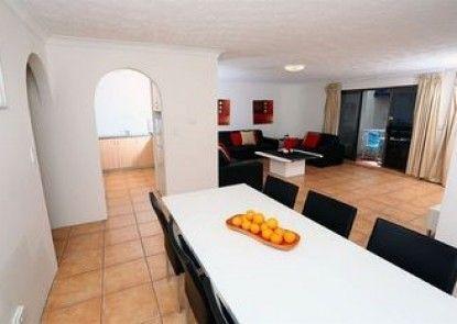 St Tropez Apartments