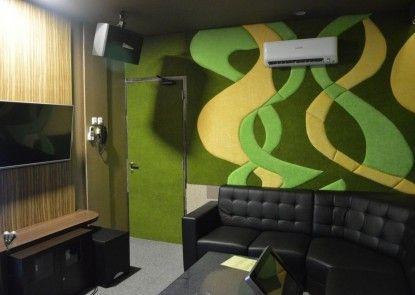 Studio Inn & Suites