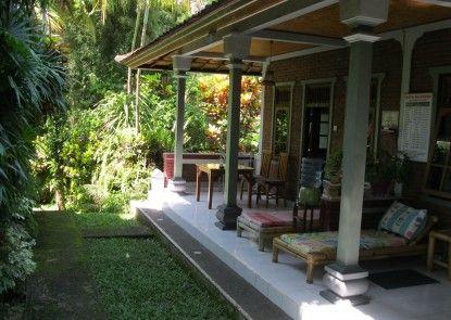 Suastika Lodge