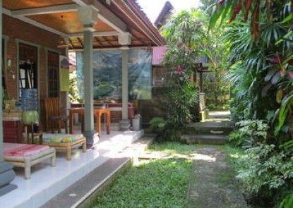 Suastika Lodge Teras