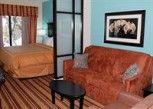 Pesan Kamar Suite, 1 Tempat Tidur King Dengan Tempat Tidur Sofa, Non-smoking di Comfort Suites Topeka