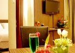 Pesan Kamar Junior Suite Room di Lorin Sentul Hotel