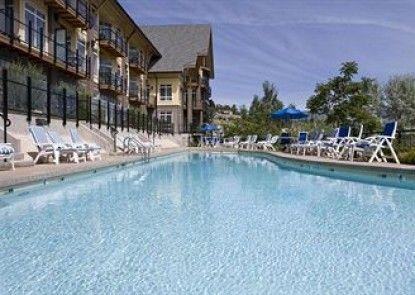 Summerland Waterfront Resort & Spa Teras