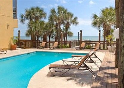 Sun N Sand Resort Teras