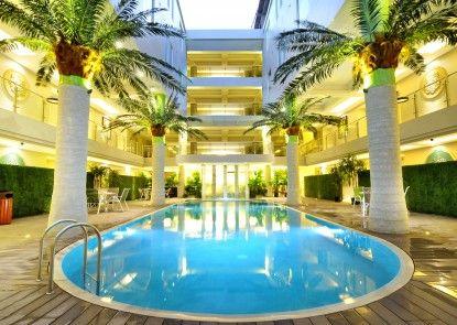 Sun Boutique Hotel Kuta Managed By Bencoolen Kolam Renang