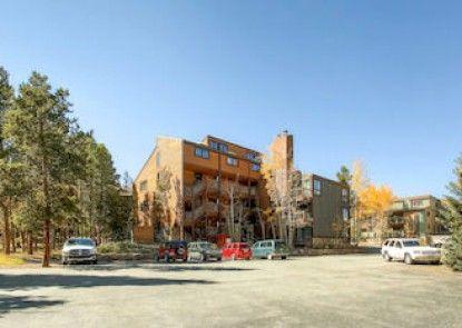 Sundowner Condominium by Ski Country Resorts