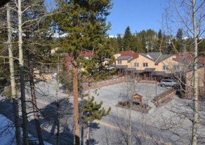 Sundowner II by Ski Village Resorts