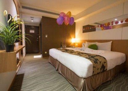 Sunny Hotel Plus