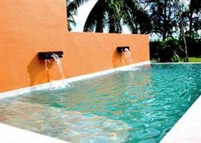 Sunshine Pool Villa