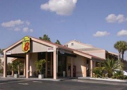 Super 8 Kissimmee/Maingate/Orlando Area
