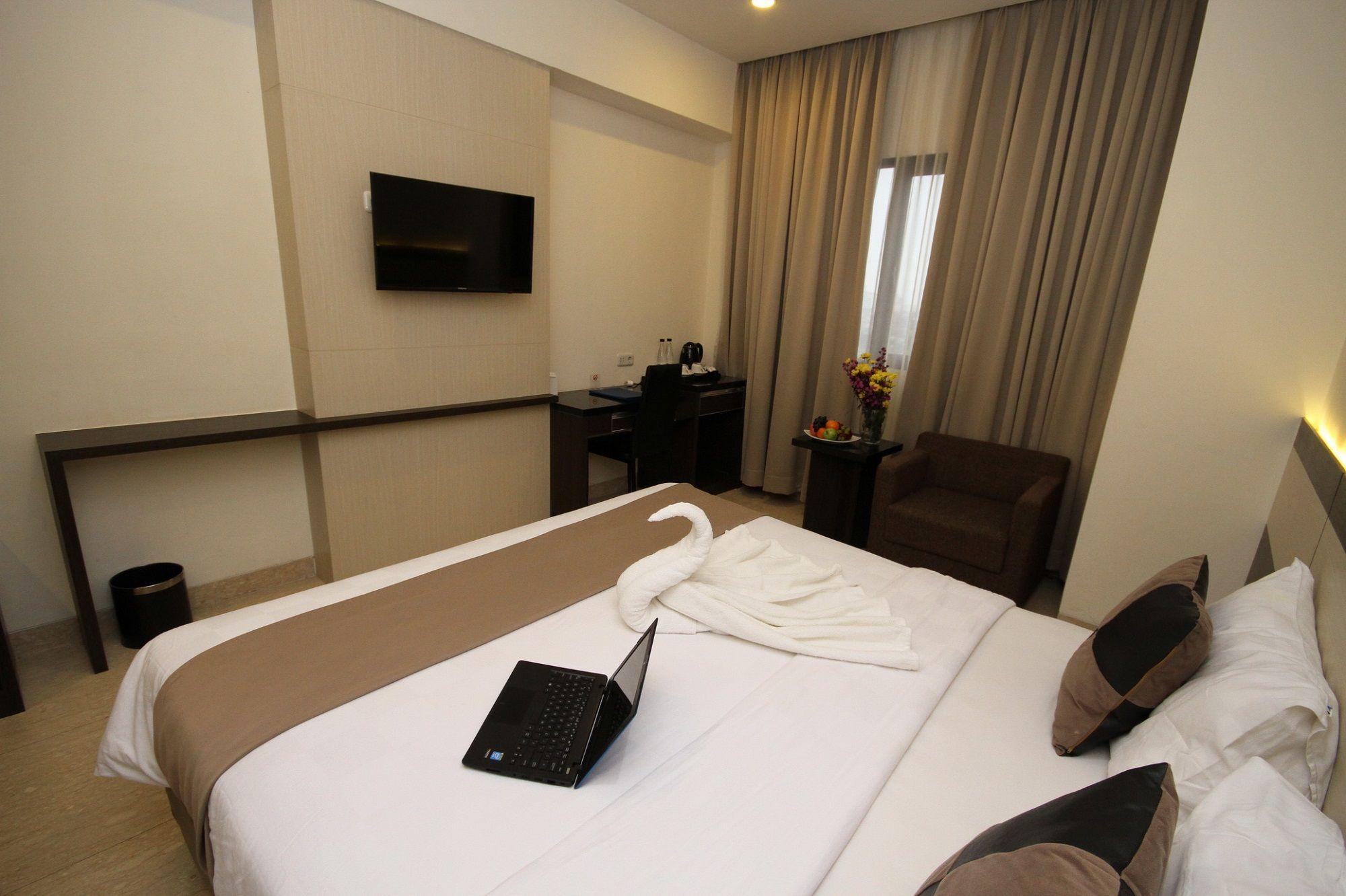 Atlantic City Hotel, Bandung