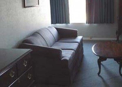 Surrey Inn Hotel