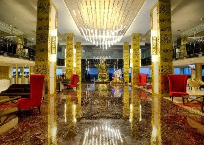 Swiss-Belhotel Makassar Lobby