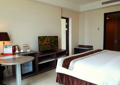 Swiss-Belhotel Makassar Teras