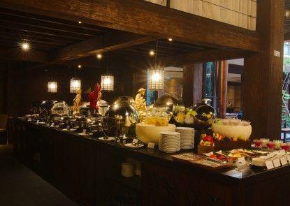 Swiss-Belhotel Rainforest, Kuta Makan Prasmanan