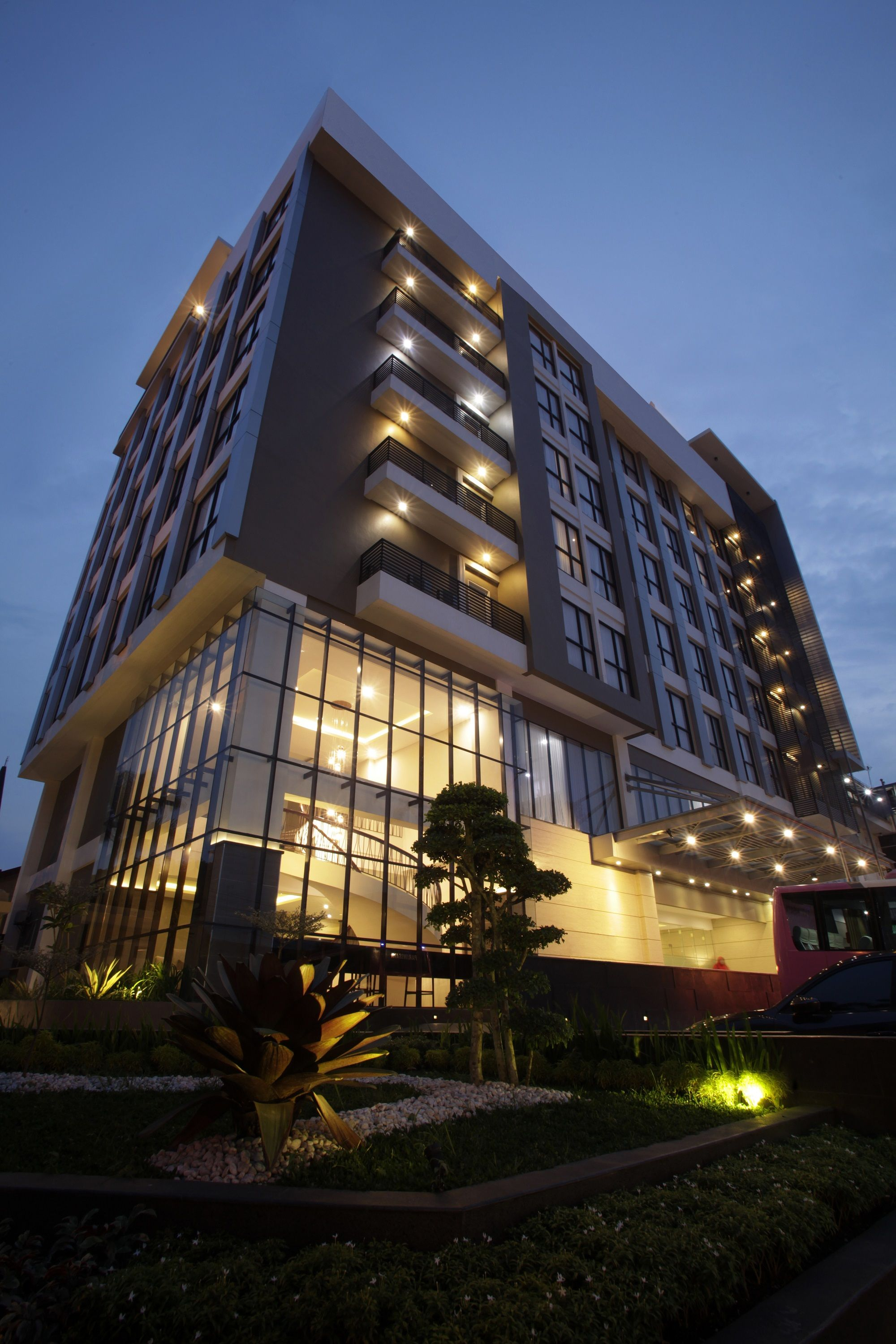 Swiss-Belinn Gajah Mada Medan,Motel Danau Toba International