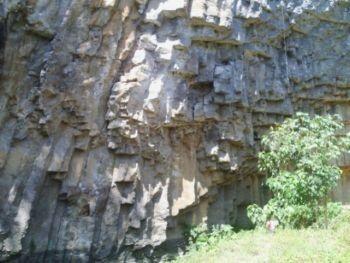 Wisata Batu Dinding