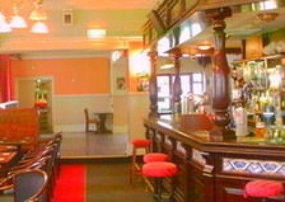 Tadross Hotel