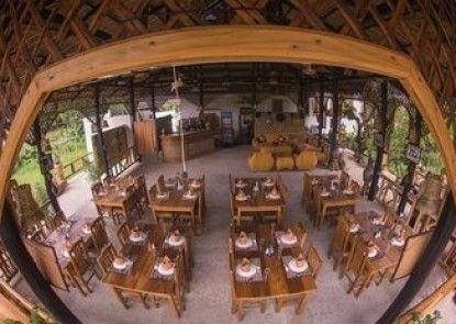 Tai House Resort