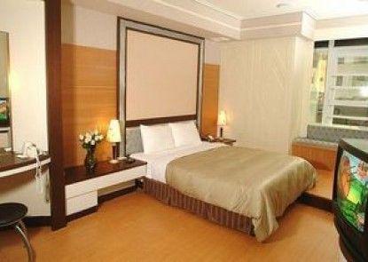 Takatama Hotel